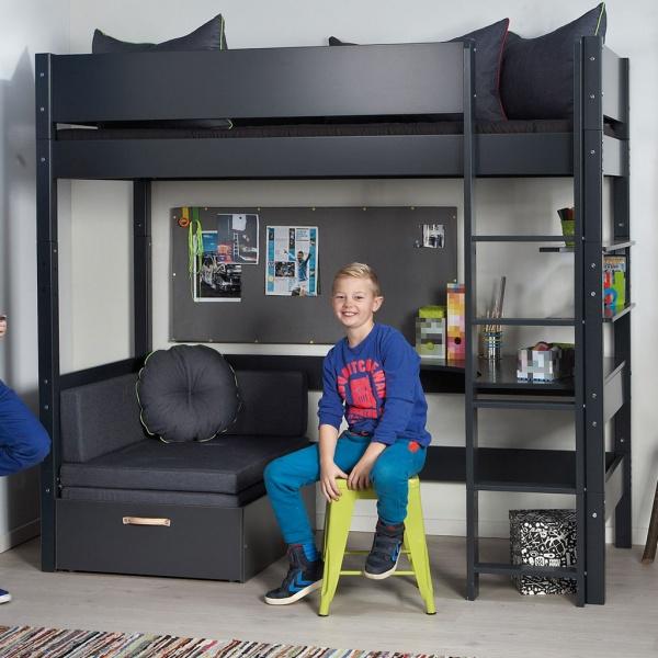 køyeseng med sofa og skrivebord